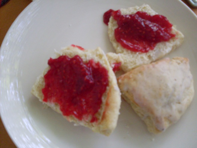 Vanilla scones with jam.